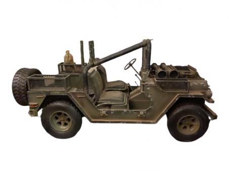 Jeep Riot Version  1/6 (Ausstellungsstück ohne ovp)