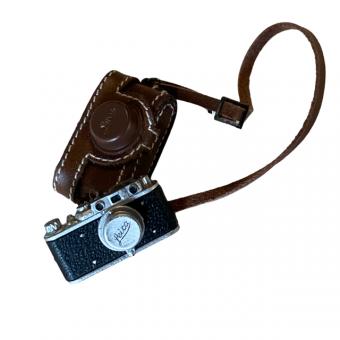 Foto Kamera Leika de Luxe mit ledertasche 1/6