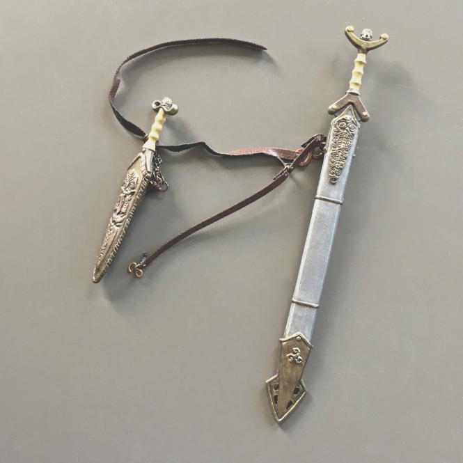 1/6 Keltisches Schwert und Dolche Set
