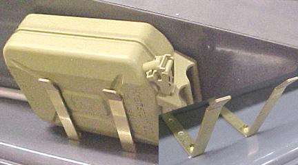 SDKFZ 250 Jerry Can Holder Kanister Halterung in Metal