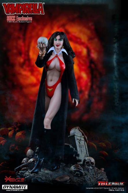Vampirella - Exclusive SHCC2017 Version - im Maßstab 1:6